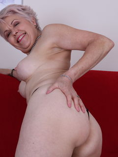 British mom Lady Sextasy getting wet on her couch