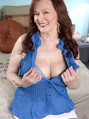 Redhead Romanian divorcee and mom Katherine Merlot