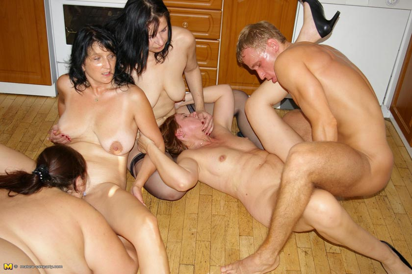Wife Fucked At House Party