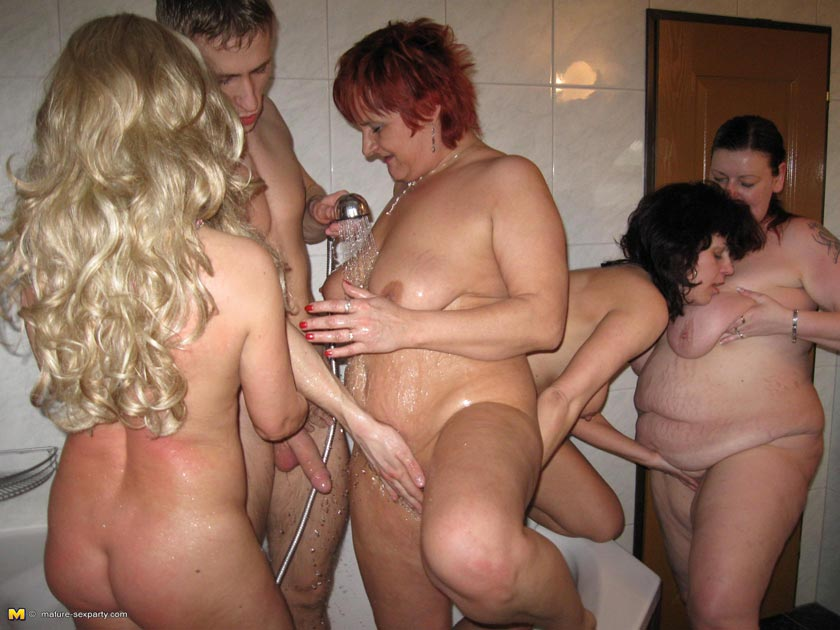 Sexy kočky swingers party videa