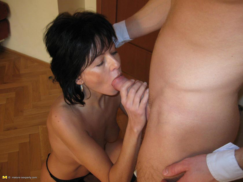 About slut mom gets fucked