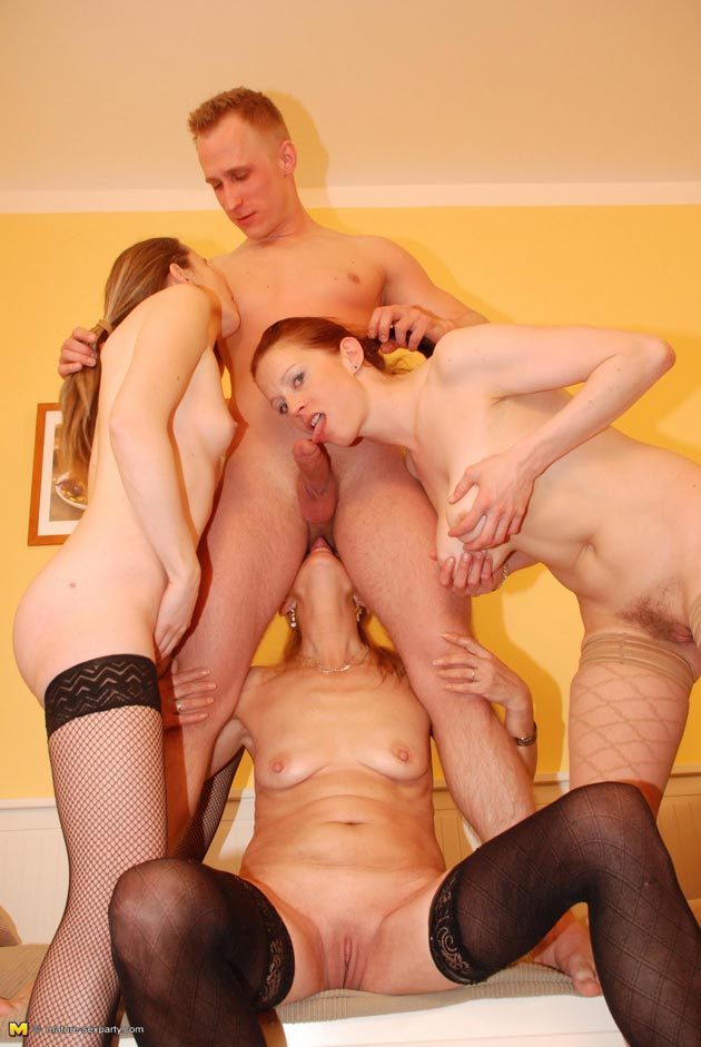 Naughty Mature Guys Fucking